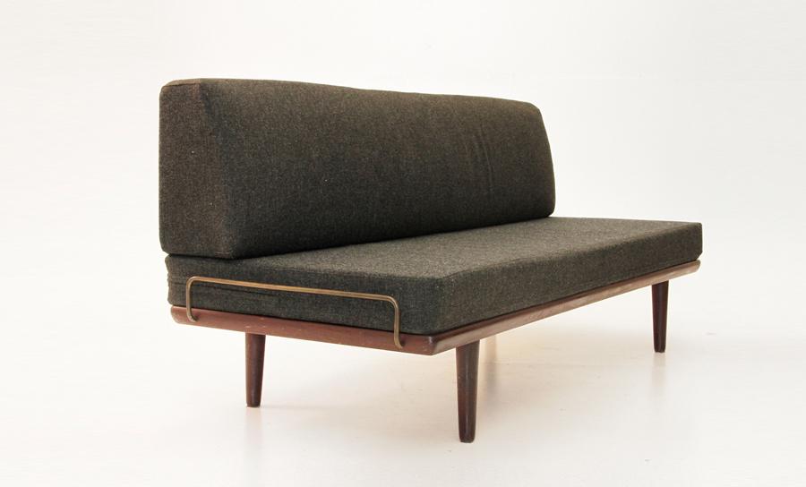 divano daybed in teak ge-19 hans wegner per getama 1956 - uso interno