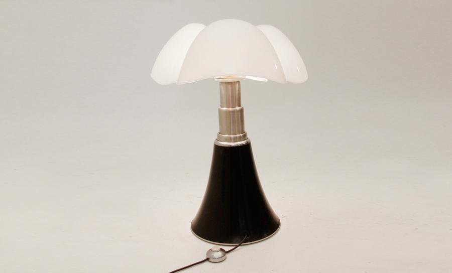Lampada pipistrello design gae aulenti per martinelli luce - Lampada da tavolo pipistrello ...
