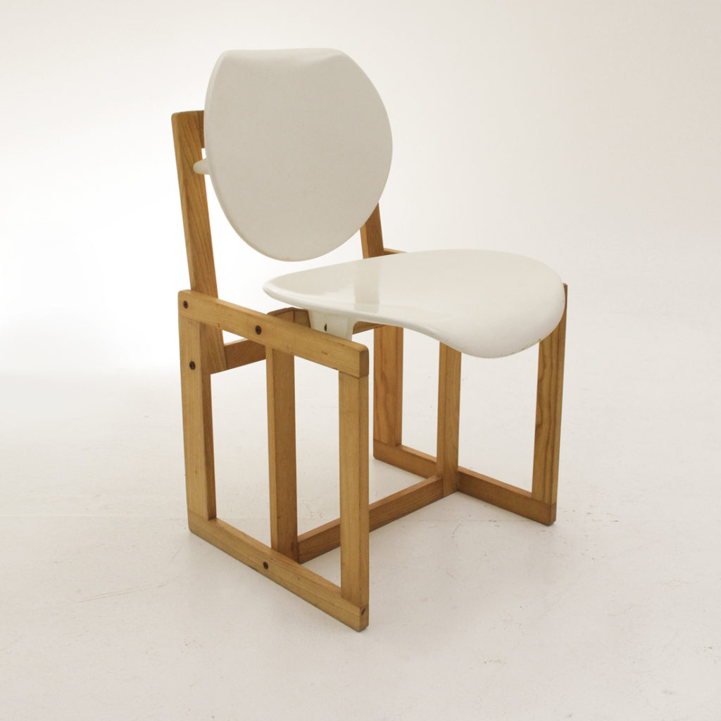 Sedia in legno e plastica uso interno for Sedie legno e plastica