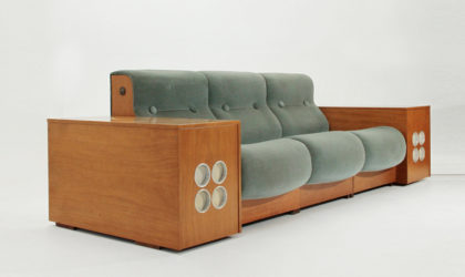 Divano modulare con giradischi e mobile bar integrato anni '70, mid century sofa with bar cabinet and turntable player, space age