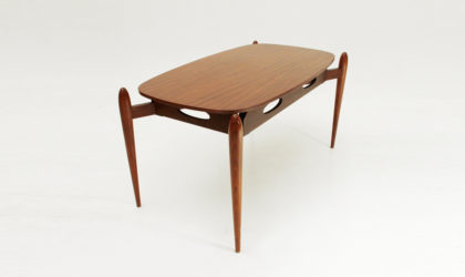 Tavolino con piano ellittico anni 60, mid century coffee table, italian modern, vintage, 60's, teak, modernism, design