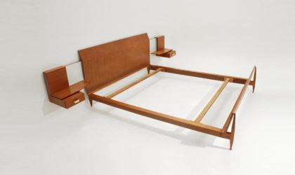 Letto con comodini Galleria Mobili d'Arte Cantù anni '50, bed with nighstands, mid century modern, italian design, gio ponti, teak, 50's