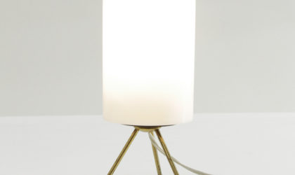 Lampada da tavolo in ottone anni '50, mid century brass table lamp, 50's, italian design, vintage, plastic, white , bianco, stilnovo, arredoluce, arteluce