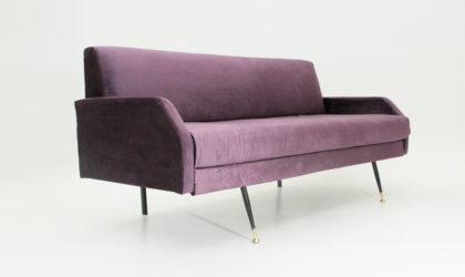 Divano letto in velluto viola anni '60, mid centri sofa bed, velvet, violet, 60's, italian modern design, frattini, arflex, zanuso