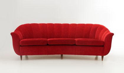 Divano tre posti in tessuto rosso anni '50, mid century sofa, italian, 50's, curved, curvo, fagiolo, guglielmo ulrich, gio ponti, ico parisi, 50s