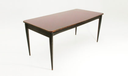 Tavolo in legno con piano in vetro bordeaux anni 60, mid century table, black wood, glass top, 60's, italian dining, design, sormani, carlo de carli