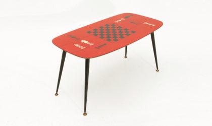 Tavolino con piano in laminato rosso decorato anni '50, mid century coffee table, laminate, italian design, piero fornasetti, black, red, brass
