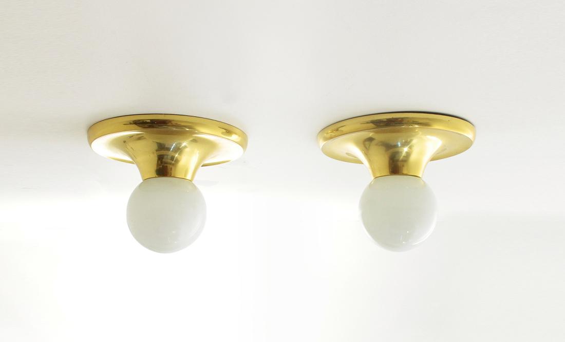 Coppia di applique in ottone light ball di achille e pier giacomo