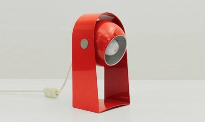 Lampada da tavolo rossa con diffusore orientabile anni '60, vintage table lamp, mid century italian modern, 60s, stilnovo, arredoluce, arteluce, red