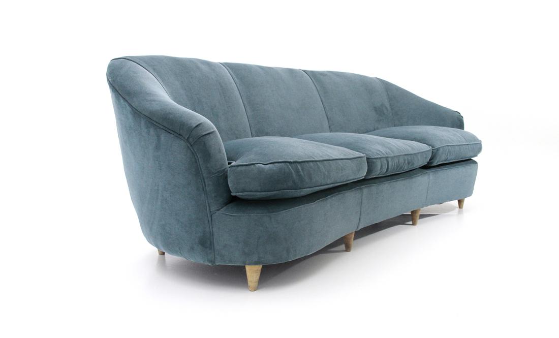 Divano tre posti in velluto blu uso interno for Divano velluto blu