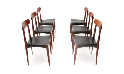 Sei sedie con seduta nera anni '60, vintage dining chairs, italian design, mid century modern, frattini, cassina