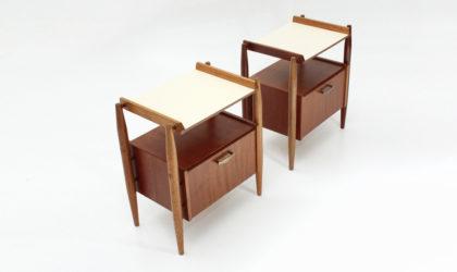 Coppia di comodini con piano in formica anni '60, nightstand, bed side table, italian design, 60s, mid-century modern, gio ponti, mario quarti