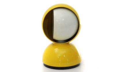 Lampada da tavolo Eclisse gialla di Vico Magistretti per Artemide
