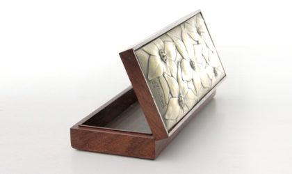 Scatola in legno con coperchio decorato di Ottaviani anni '80, box, mid century modern, 80s, silver 925,