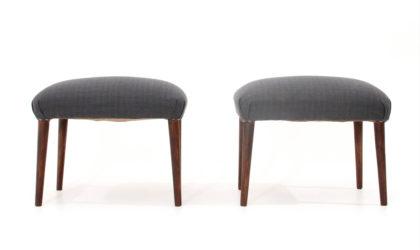 Coppia di pouf con gambe in legno anni 50, stool, italian design, mid-century modern, 50s, legno, vintage