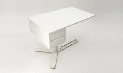 Scrivania bianca di Antonello Mosca per Sormani anni 60, space age desk, italian design, mid-century modern, 60s, white