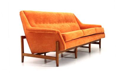 Divano tre posti in velluto arancione anni '60, 3 seats sofa, italian design, 60s, mid-century modern, velvet, orange, cassina