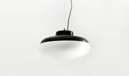 Lampadario in metallo e diffusore in plastica anni '60, pendant lamp, Italian design, midcentury modern, opaline glass, stilnovo, Gino Sarfatti
