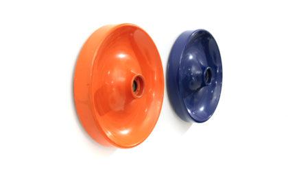 Coppia di applique circolari in metallo colorato anni '60, vintage, italian design, blue and red