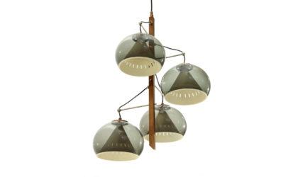 Lampadario con quattro diffusori Lampter anni '50, vintage, italian design, chandelier, 50s, brass, arredoluce, stilnovo, arteluce