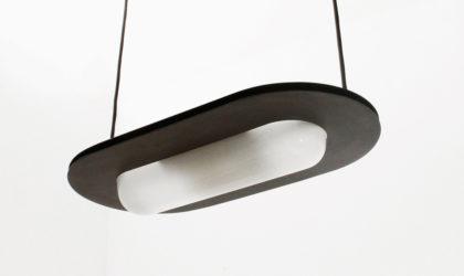 Lampadario nero con diffusore in vetro anni 80, 80s, postmodern, italian design, sottsass, enzo mari, black, vintage, glass